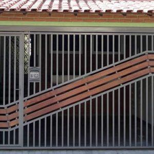 Portão com detalhe em madeira automatico Gran Village SBC